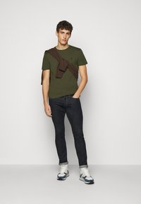 Polo Ralph Lauren - T-shirts basic - company olive - 1