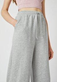 PULL&BEAR - Kalhoty - grey - 3
