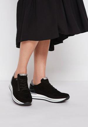 Sneakers laag - schwarz/grey