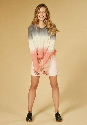 Szorty jeansowe - soft pink