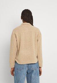 Pieces - PCCARMELLO JACKET  - Summer jacket - silver mink - 2