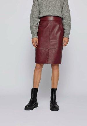 Pencil skirt - dark red