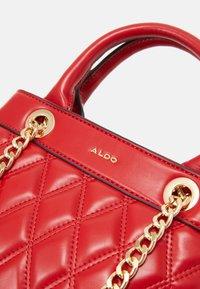 ALDO - ASTARDONNA - Käsilaukku - mars red - 4