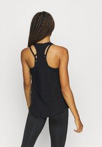 Nike Performance - AEROADAPT TANK - Camiseta de deporte - black - 2