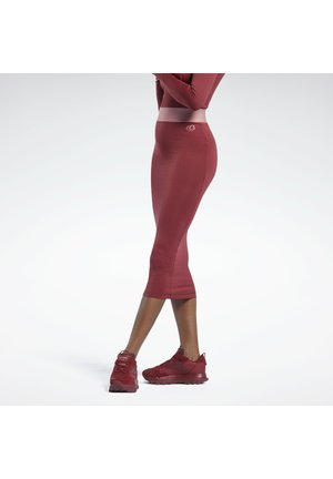 CARDI B RIB - Kokerrok - red