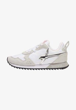 JET - Sneakers basse - weiß