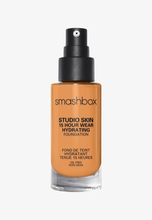 STUDIO SKIN 15 HOUR WEARHYDRATING FOUNDATION - Foundation - 3.2