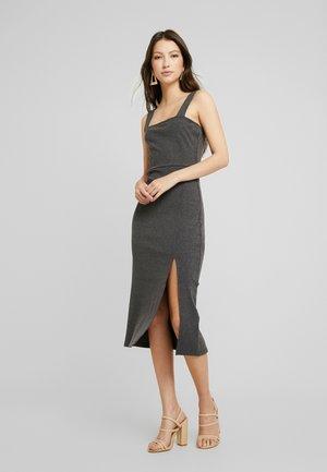 BODYCON MIDID - Pletené šaty - grey
