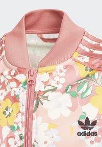 adidas Originals - HER STUDIO LONDON FLORAL SST JACKET - Hoodie met rits - pink - 2