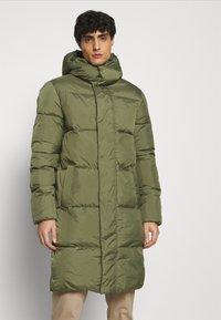 TOM TAILOR DENIM - MODERN PUFFER COAT - Zimní kabát - tree moss green - 0