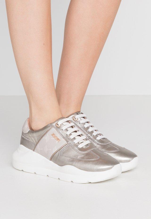 CORTINA LISTA HANNA - Sneakers laag - metallic