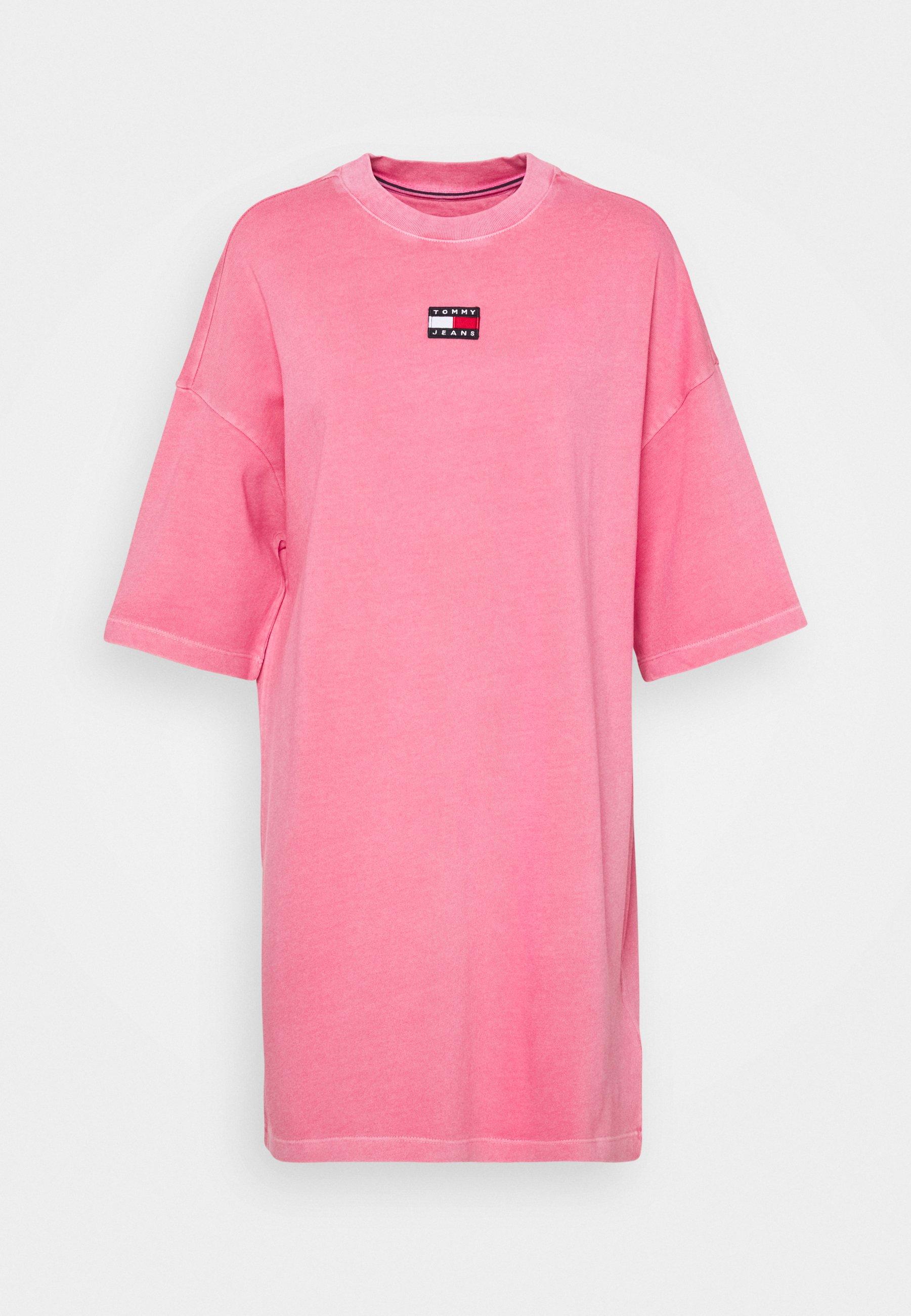 Damen ESSENTIAL BADGE TEE DRESS - Jerseykleid