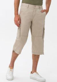 BRAX - STYLE LUCKY - Cargo trousers - beige - 0
