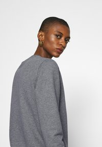 Calvin Klein - CORE LOGO - Sweatshirt - mid grey heather - 3