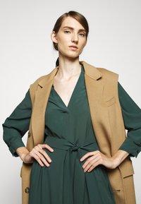 WEEKEND MaxMara - JAMES - Day dress - gruen - 3