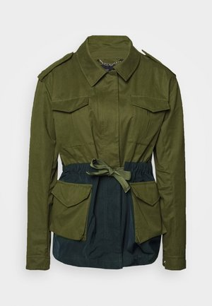 TWO TONE FIELD JACKET  - Lehká bunda - green