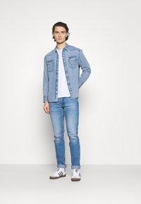 Wrangler - Shirt - light-blue denim - 1