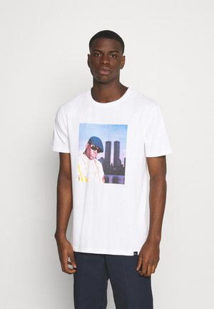 BIGGIE - Print T-shirt - white