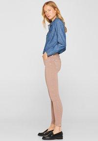Esprit - SUPERSTRETCH - Jeans Skinny Fit - mauve - 3