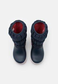 Crocs - CROCBAND UNISEX - Winter boots - navy/red - 3