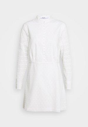 DOBBY MINI DRESS - Skjortekjole - white