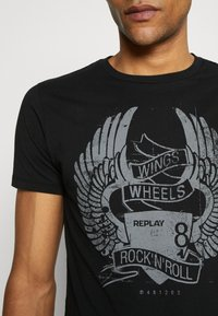 Replay - TEE - T-shirt con stampa - black - 4