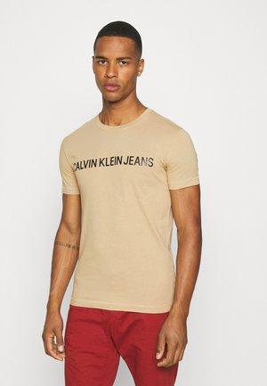 INSTITUTIONAL LOGO SLIM TEE - Print T-shirt - grey