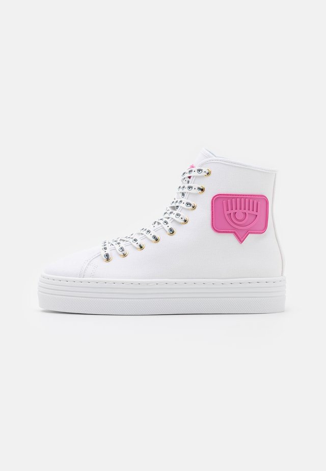 EYE LIKE - Höga sneakers - white