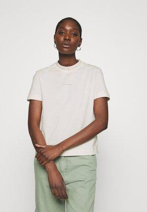 LOGO INTARSIE TEE - Print T-shirt - white sand