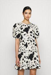 Monki - Day dress - black - 0