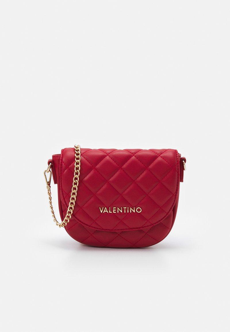 Valentino Bags - OCARINA - Taška spříčným popruhem - rosso