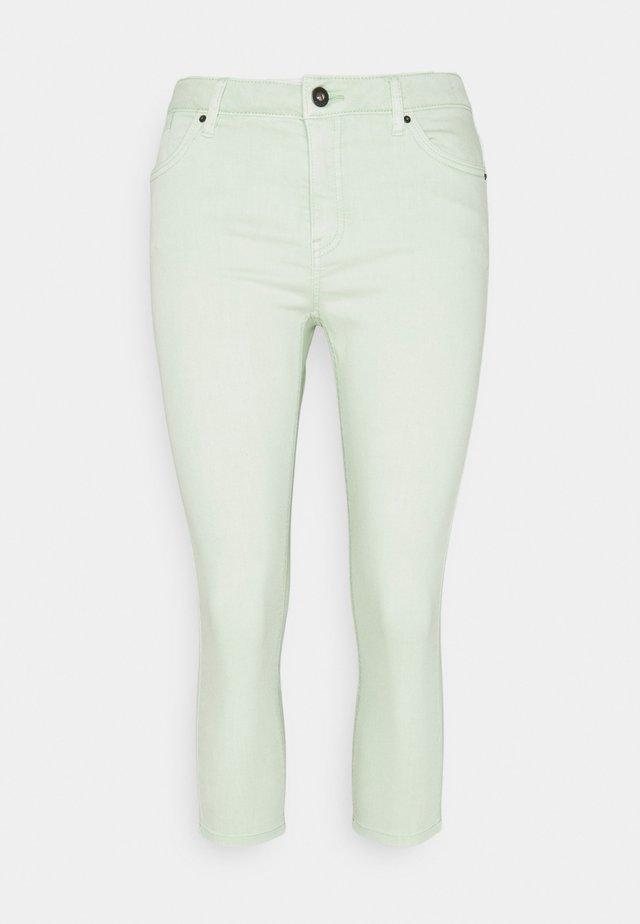 CAPRI - Džínové kraťasy - pastel green