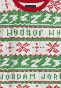 Jordan - JUMPMAN HOLIDAY CREW - Sweatshirt - gym red - 2