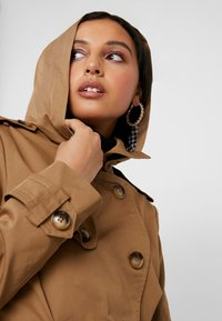 Fashion Union - TRENT - Trenchcoats - brown - 4