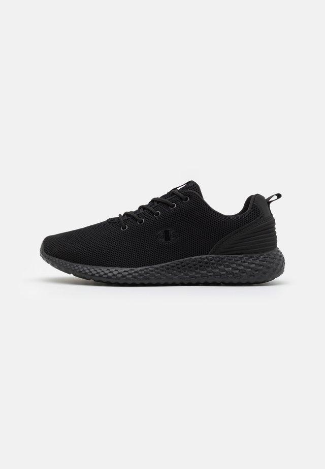 LOW CUT SHOE SPRINT WINTERIZED  - Neutral running shoes - triple black