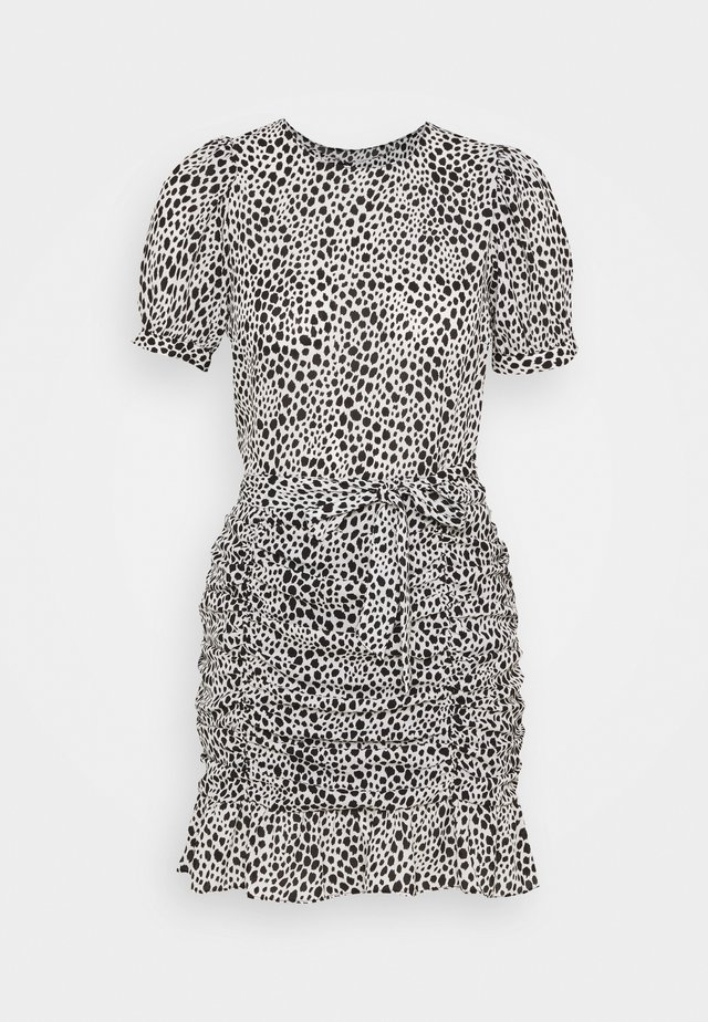 SPOT RUCHED DRESS - Robe d'été - white/black