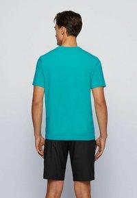 BOSS - TEE 2 - Print T-shirt - green - 2
