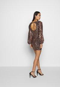 Club L London - SEQUIN BALLOON SLEEVE MINI DRESS - Vestido de cóctel - gold - 2