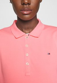 Tommy Hilfiger - TH ESSENTIAL POLO  - Polo shirt - pink grapefruit - 5