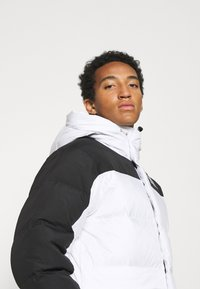 The North Face - HIMALAYAN   - Down jacket - white - 3