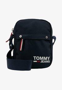 Tommy Jeans - COOL CITY MINI REPORTER - Skuldertasker - blue - 6