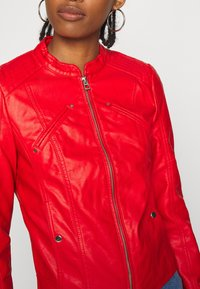Vero Moda - VMFAVODONA - Faux leather jacket - goji berry - 5