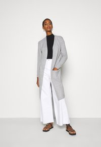 Vero Moda Tall - VMDOFFY LONG OPEN CARDIGAN - Kardigan - light grey melange - 1