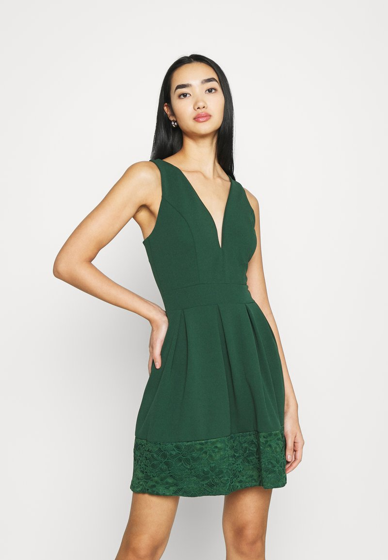 WAL G. - NADIA VPLUNGE NECK SKATER DRESS - Koktejlové šaty / šaty na párty - forest green