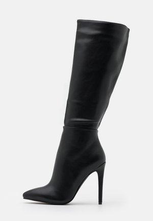 LAVERNE - Boots med høye hæler - black