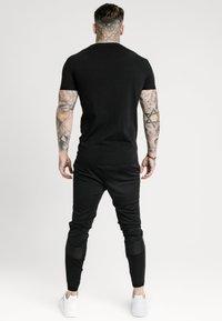 SIKSILK - TECH LOGO TEE - T-shirt imprimé - black - 2
