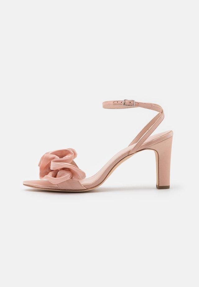 BLOSSOM - Sandales - bermuda pink