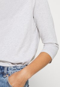 Calvin Klein - 3/4 BOATNECK  - Top sdlouhým rukávem - light grey heather - 5