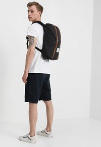 Herschel - RETREAT - Reppu - black - 1