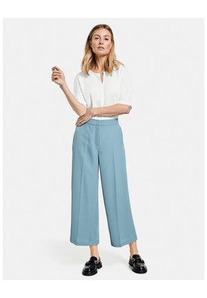 CULOTTE MIT BÜGELFALTE - Trousers - dusty blue